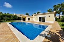 Algarve | Vilamoura | Bungalow met zwembad | € 1.100.000,--