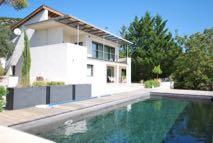 Elegante artiesten woning met uitzicht en zwembad | € 495.000,--