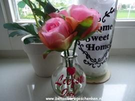 """Klein bloemenvaasje """"Liefste Juf"""" roze"""