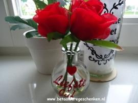 """Klein bloemenvaasje """"Liefste Juf"""" rood"""