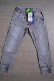 B.Nosy broek jogdenim grey maat 122/128
