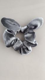 Scrunchie met oortjes 'grijs'