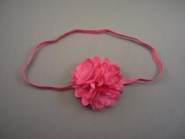 Smal haarbandje fuchsia met satijn/tule bloemetje