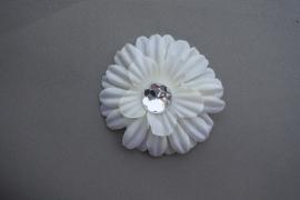 kleine bloem met steen 'creme'