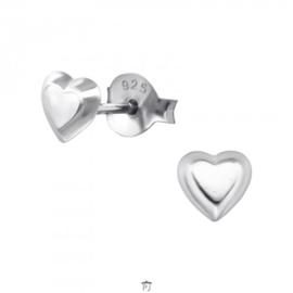 Zilveren oorbelletjes 'hartje'