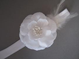 Baby/ peuter haarbandje met bloem/veer 'wit'