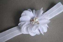 Baby haarbandje wit  'bloem/parel'