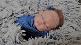 Newborn set wrap + bijpassend haarbandje 'blauw'