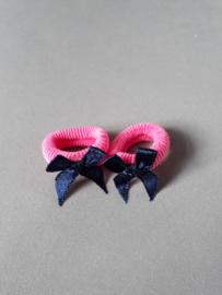 Baby elastiekje roze met blauw strikje