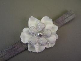 Baby/ peuter haarbandje grijs met wit/grijze bloem
