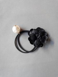 Elastiek bloem/ parel 'zwart'