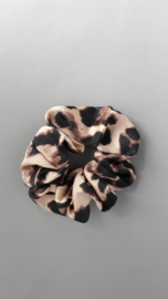 Scrunchie satijn 'panterprint'