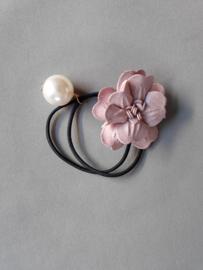Elastiek bloem/ parel 'roze'