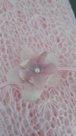 newborn wrap + bijpassende haarbandje 'roze'
