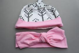 Mutsje + haarbandje met knoop 'roze/wit'