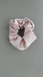Scrunchie rib fluweel 'poederroze'