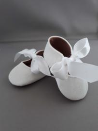 Baby schoentjes (wit fluweel)
