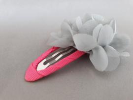 Haarspeldje met chiffon bloem (roze met grijze bloem)