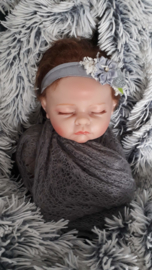 Set newborn wrap + bijpassend haarbandje 'donker grijs'