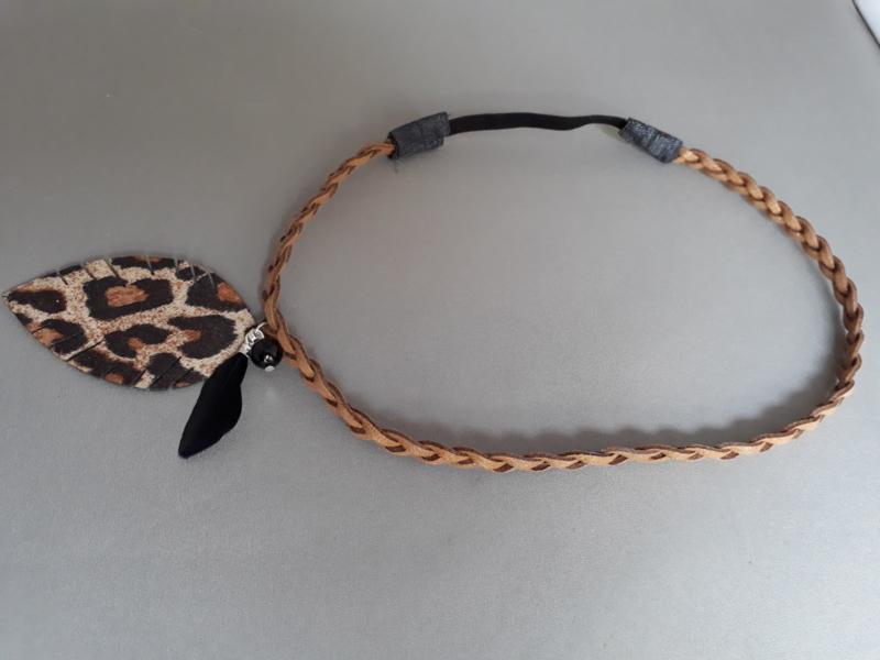 Gevlochten haarbandje 'bruin/dierenprintje/pareltje'