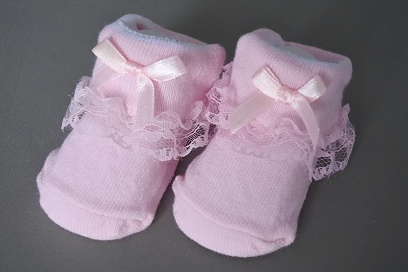 Baby sokjes roze met kant