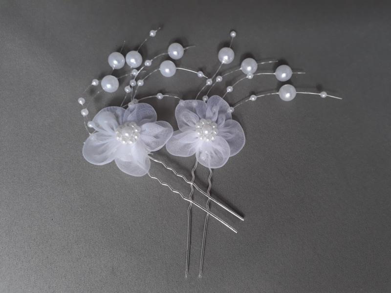 Haarsteker met bloem en pareltjes