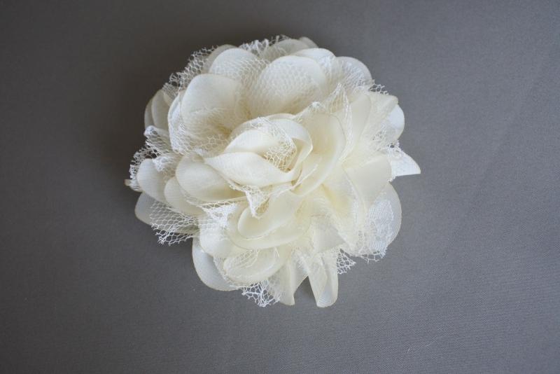 Grote bloem chiffon en kant 'creme'