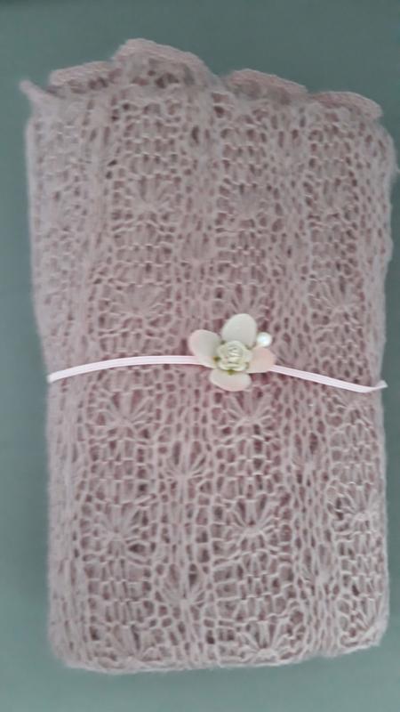 Newborn wrap + bijpassend haarbandje 'oudroze'