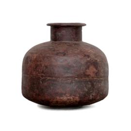 IJzeren waterpot bruin