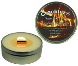 Cracklez® Knetter Houten Lont Geurkaars in blik Ceder hout en Sandelhout. Ongekleurd.