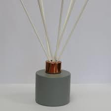 Glazen flesje (diffuser) Rond Mat Grijs 100 ml.
