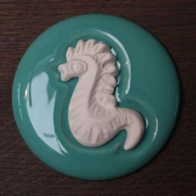 5170 Volatile aromasteen Zeepaardje met onderlegger