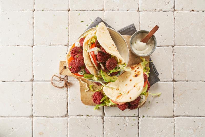 Flatbread falafel red beet