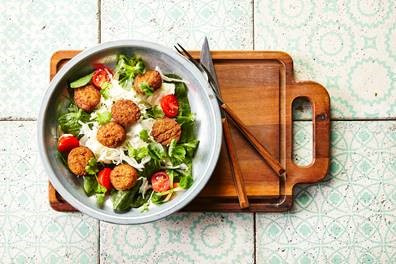 Salat mit Falafel