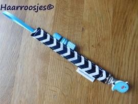 Speenkoord, zwart/wit zigzag,  clip met blauw vogeltje.