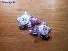 Haarspeldjes, peuter/kleuter, lila met pailletjes en een grijze ster, een meisje en een bedeltje.
