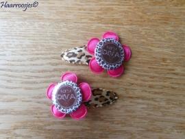Haarspeldjes, peuter/kleuter, panterprint meten fuchsia roze satijnen bloem en `Kerst Diva`.