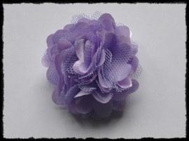 Haarbloem, lila met satijn en tule.
