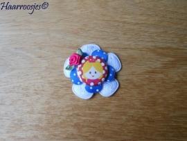 Haarlokspeldje, wit kanten bloem, blauwe polkadot bloem, prinsesje en roze roosje.