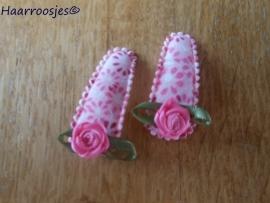 Haarspeldjes, baby, roze gebloemd met roze roosje.