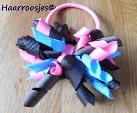 Krulliesss op elastiek, lichtblauw, bruin en roze.