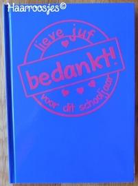 Notitieboekje A5, kobalt blauw met stempel.