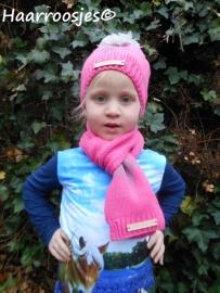Wintersetjes sjaal en muts, roze met ster.