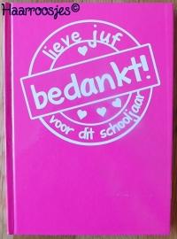 Notitieboekje A5, fuchsia roze met stempel.