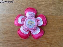 Broche, fuchia roze, witte en fuchsia roze kanten bloem met prinses.
