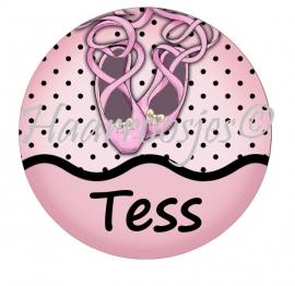 """Flatback met naam """"Tess""""."""