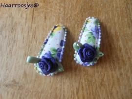 Haarspeldjes, baby, paars gebloemd met paars roosje.