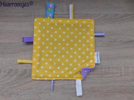 Labeldoekje, geel polkadot en paars badstof en 8 labeltjes - 1.