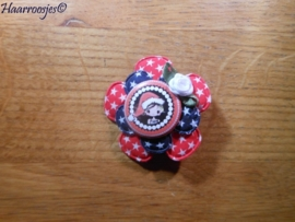 Haarlokspeldje, rode bloem met sterretjes, donkerblauwe bloem met sterretjes, meisje met kerstmuts en wit roosje.