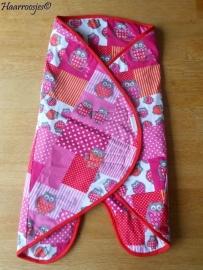 Wrapper, roze/rood patchwork met uiltjes.